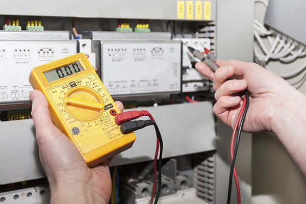services-electrical-industrial-installation-of-power-lights-security