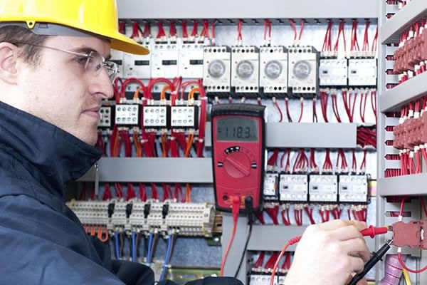 services-electrical-industrial-repairs-faults